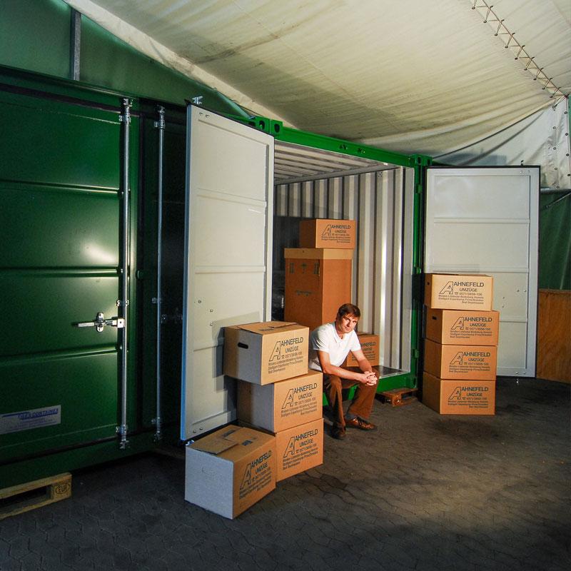 Service Self-Storage